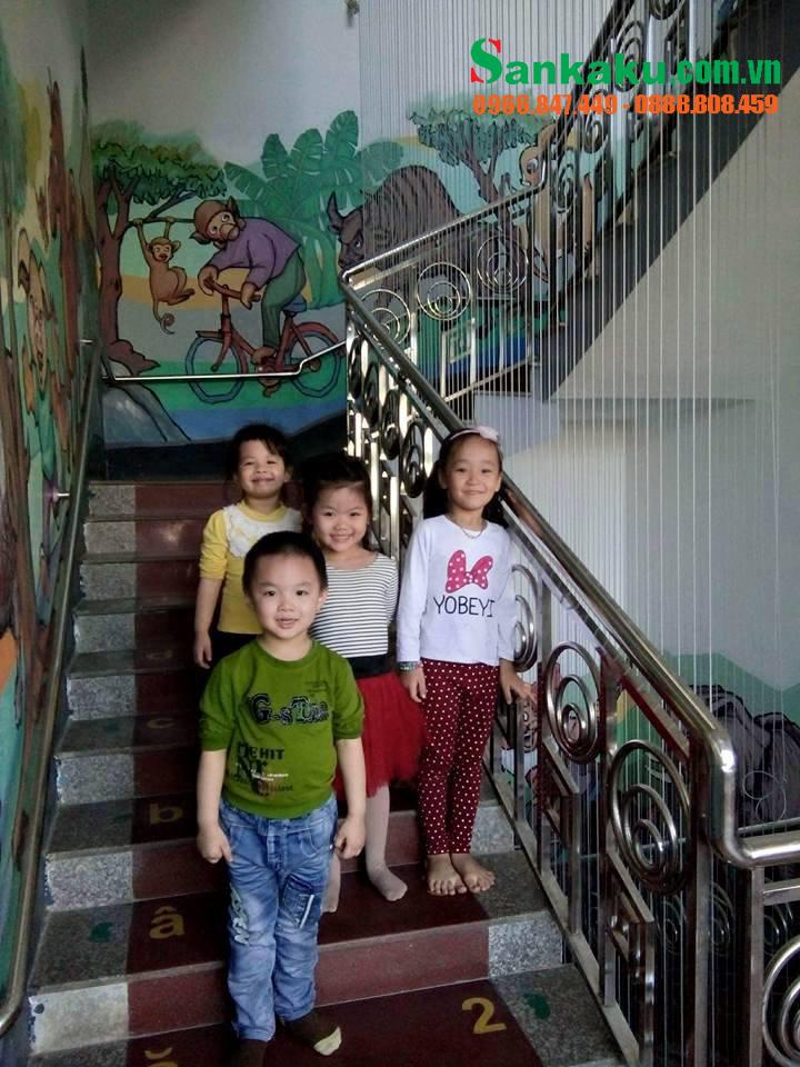 Lưới bảo vệ cầu thang Sankaku